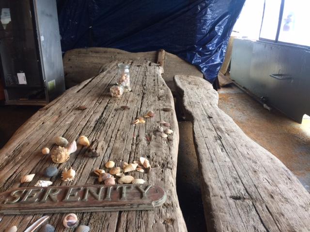 driftwood-table-on-the-baylander