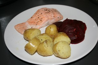 ginger-salmon-with-beetroot-pickle
