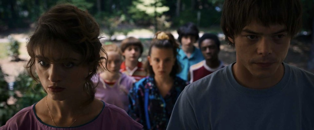 Stranger Things Season 3 - Nancy and Jonathan