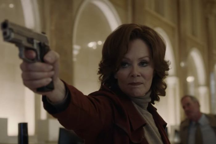 Jean Smart Confirmed To Play Silk Spectre In HBO's 'Watchmen'