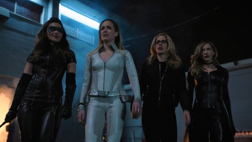 Arrow Star Katie Cassidy Rodgers Pitched Birds Of Prey Series To The Cw