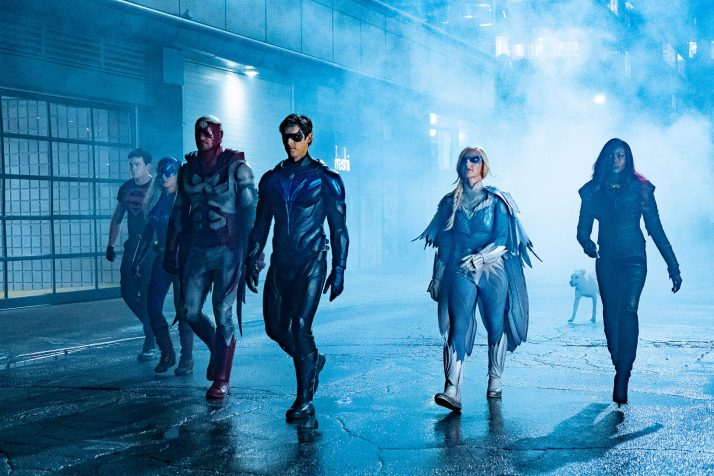 Nightwing Review Image - the team