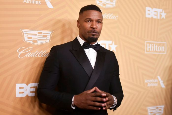Netflix Orders Jamie Foxx Father-Daughter Comedy Series 'Dad Stop Embarrassing Me'