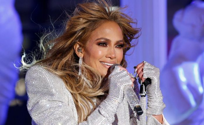 Jennifer Lopez To Star In & Produce Niki Caro's 'The Mother' For Netflix