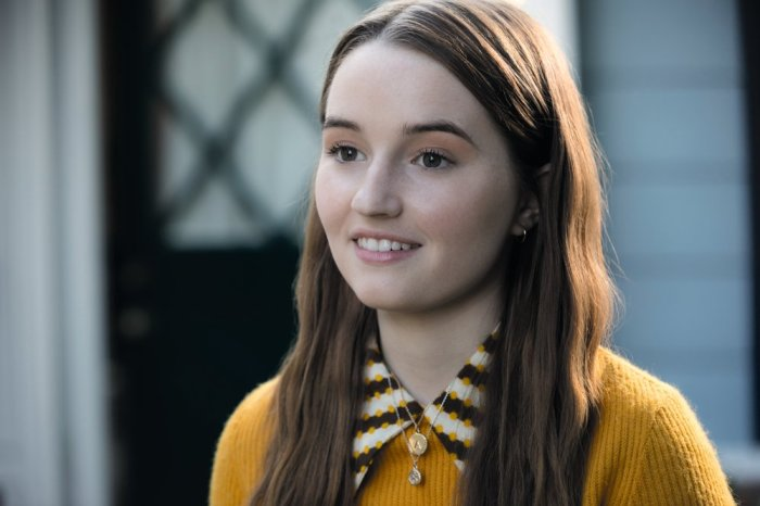 Kaitlyn Dever Joins George Clooney & Julia Roberts In Universal's 'Ticket To Paradise'