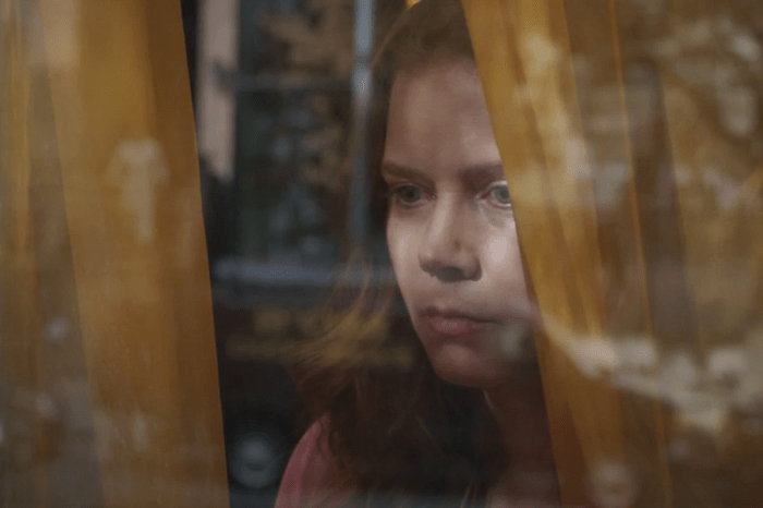 """'The Woman in the Window' Review: """"Junk Food With Tons Of Zest"""""""