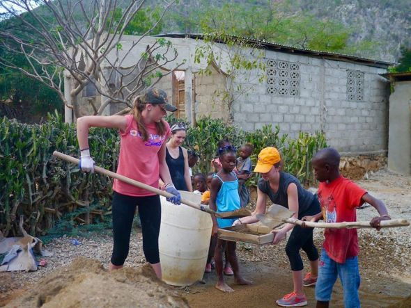 haiti-working-together