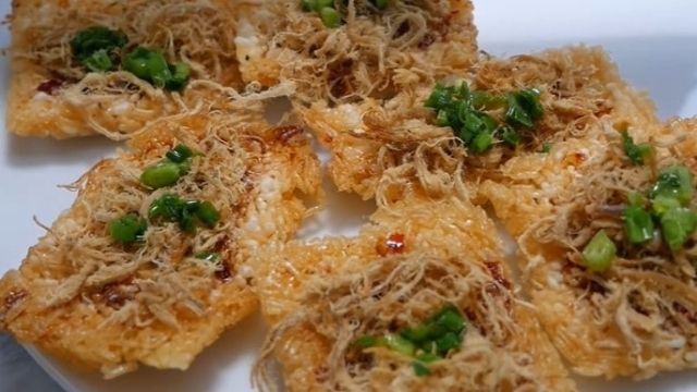 Vietnamese Sweet, Spicy, and Crispy Rice Cracker Recipe