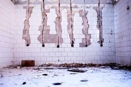 Serbia / Kraljevo / abandoned hotel showers