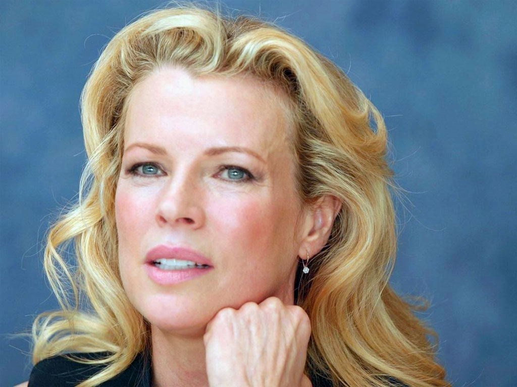 Kim Basinger Pics Full HD Pictures