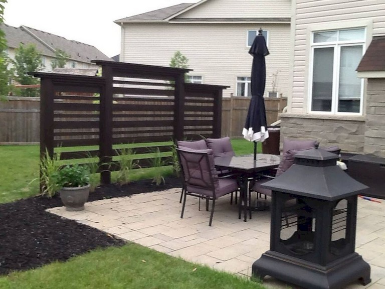 73+ Simple Backyard Privacy Fence Design Ideas on Backyard Wooden Fence Decorating Ideas id=61695
