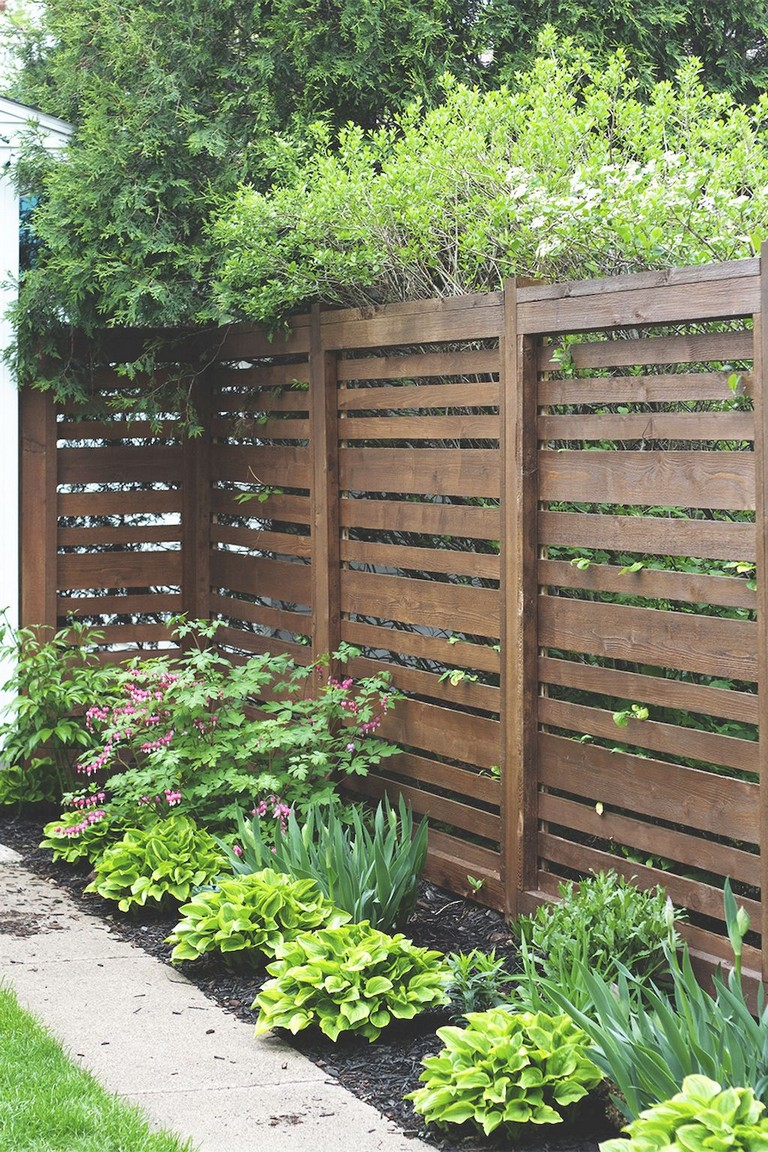 73+ Simple Backyard Privacy Fence Design Ideas on Backyard Wooden Fence Decorating Ideas id=41413