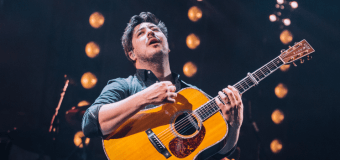 """VIDEO: Mumford and Sons End Latitude Set """"With a Little Help from My Friends"""" – Lucy Rose"""