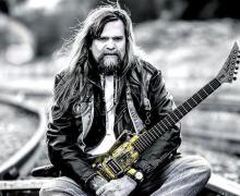 "Ex-W.A.S.P. Guitarist Chris Holmes, ""I remember partying with Cliff Burton all the time"""