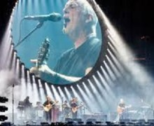 "David Gilmour:  First Look @ 'Live at Pompeii' Performance of ""Rattle that Lock"""