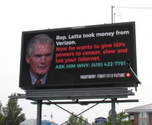 Crowdfunded Billboards Expose Lawmakers Who Support Net Neutrality Repeal