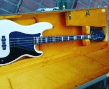 Duff McKagan Working on Fender Prototype Bass – Guns N' Roses