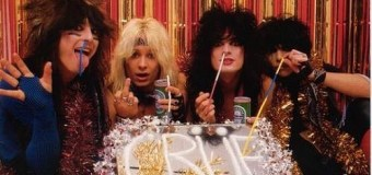 """Mötley Crüe Christmas Card: """"All we needed was a couple 8 balls of cocaine, a large mirror and voila"""""""
