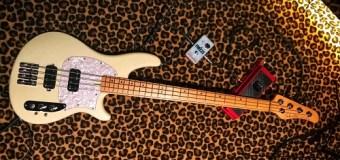 """Nikki Sixx:  """"In love with the Schecter CV-4"""" Bass Guitar + 4FL Fretless"""