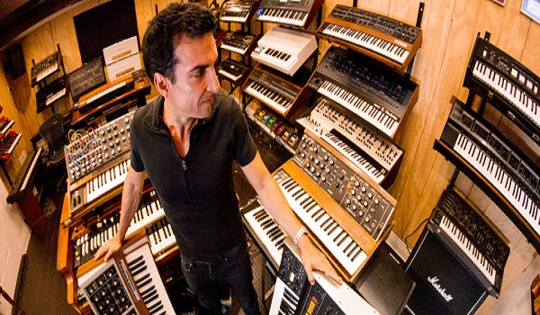 "Derek Sherinian, ""I Still Am Looking For New Solo Artists And Bands To Produce"" - Opportunities"