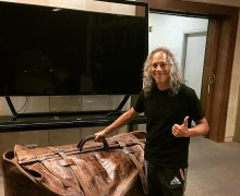 "Kirk Hammett, ""Finally down to one bag!"" – Metallica Tour 2019"