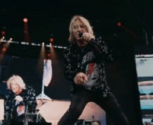 Def Leppard Hits 2 Billion Streams Mark