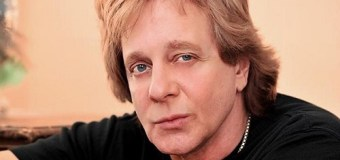 """Rick Springfield, """"So Sad To Hear Our Rock And Roll Brother Eddie Money Passed Away"""""""