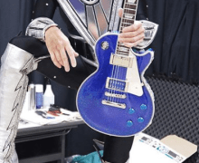 Tommy Thayer to Debut Epiphone Electric Blue Signature Les Paul Guitar @ NAMM 2020 in Anaheim