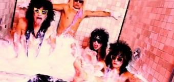 Photographer Mick Rock Talks The Mötley Crüe Cocaine Bubble Bath – VIDEO