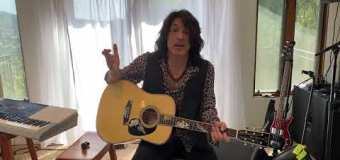 """Paul Stanley Sings """"Every Time I Look At You,"""" Talks Martin Guitars, 'REVENGE' & Staying Home 2020"""
