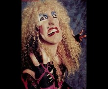Twisted Sister Producer Tom Werman Takes Aim at Dee Snider's Latest 'Stay Hungry' Comments – full in bloom Interview 2020
