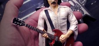 Tony Iommi Rock Iconz Statue by KnuckleBonz