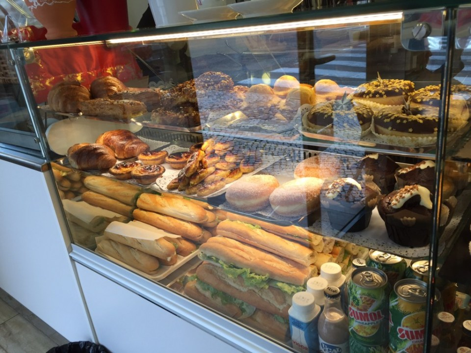 Mm. Pastries! Portugal! Yummy. Cafe na Drogaria FTW.