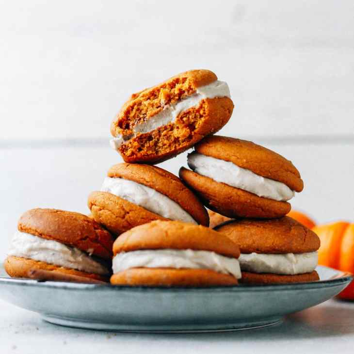 Chai Pumpkin Whoopie Pies (Vegan + GF)