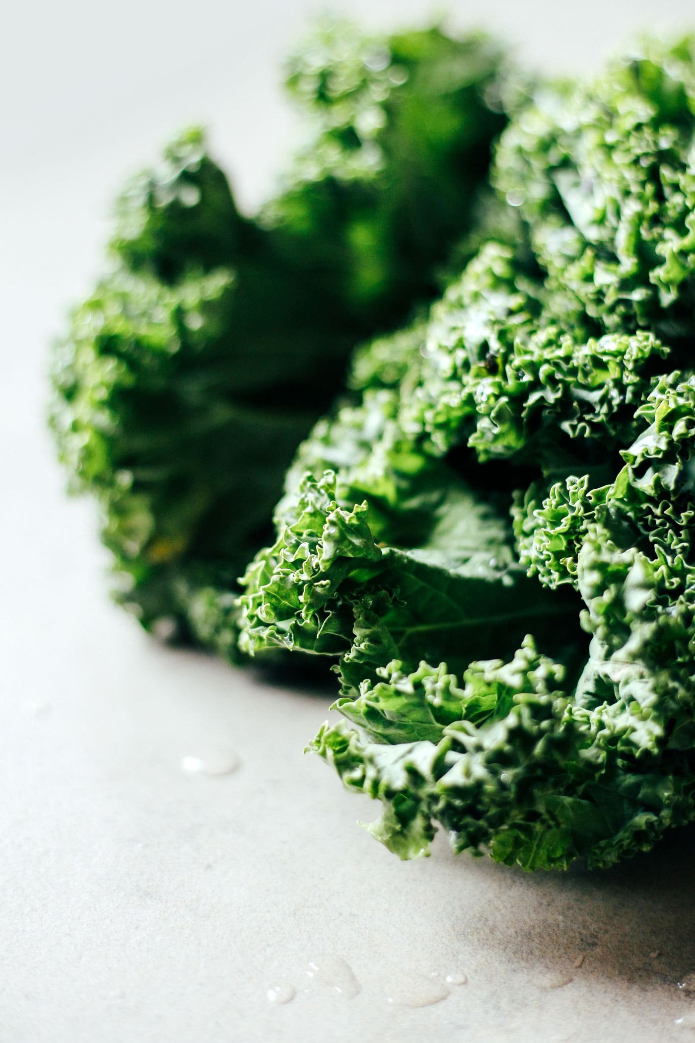 Crunchy Chocolate & Buckwheat Kale Chips