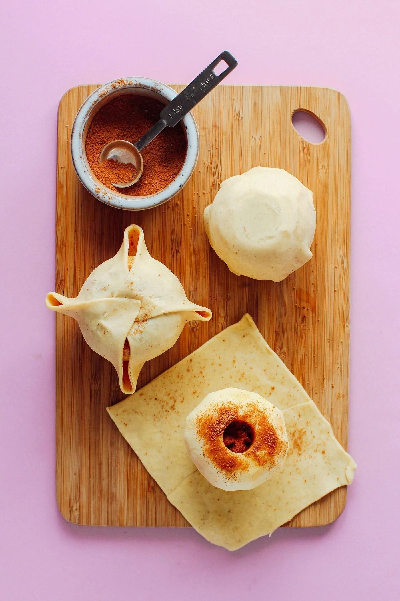 Dutch Apple Dumplings (Appelbollen)