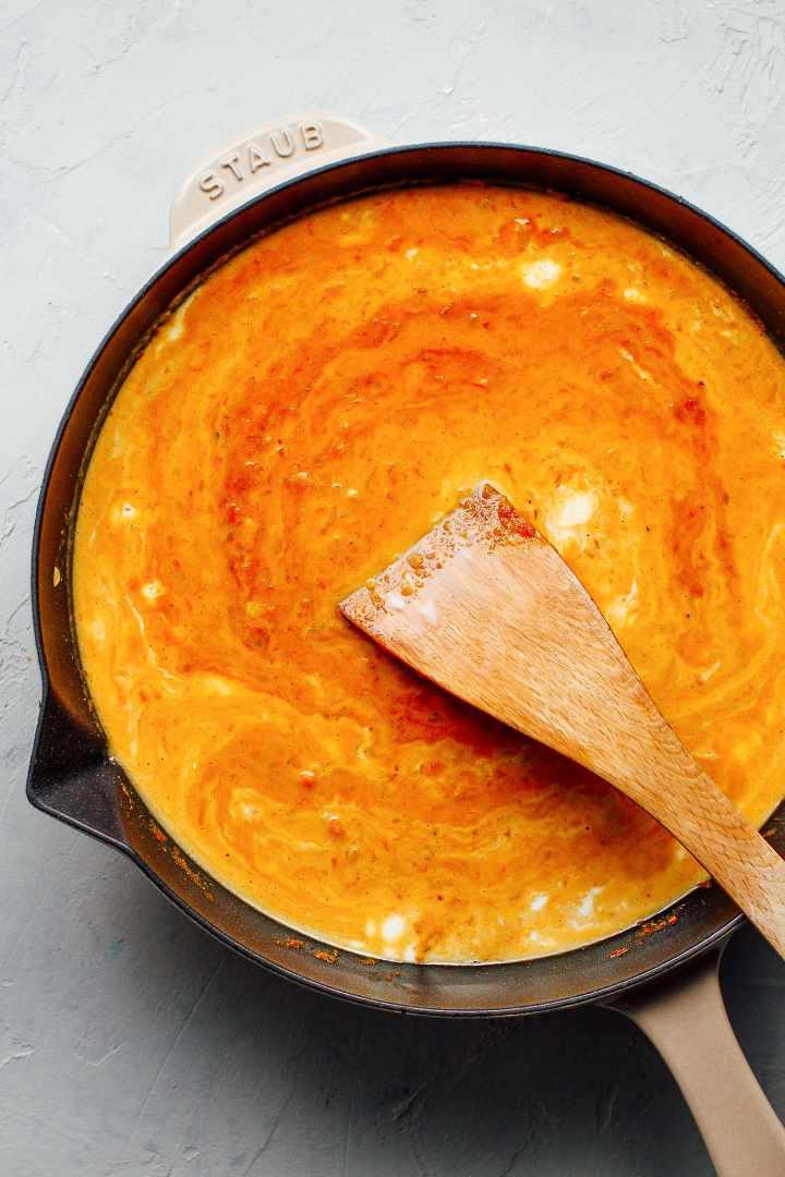 Cheesy Tikka Masala Pasta Bake