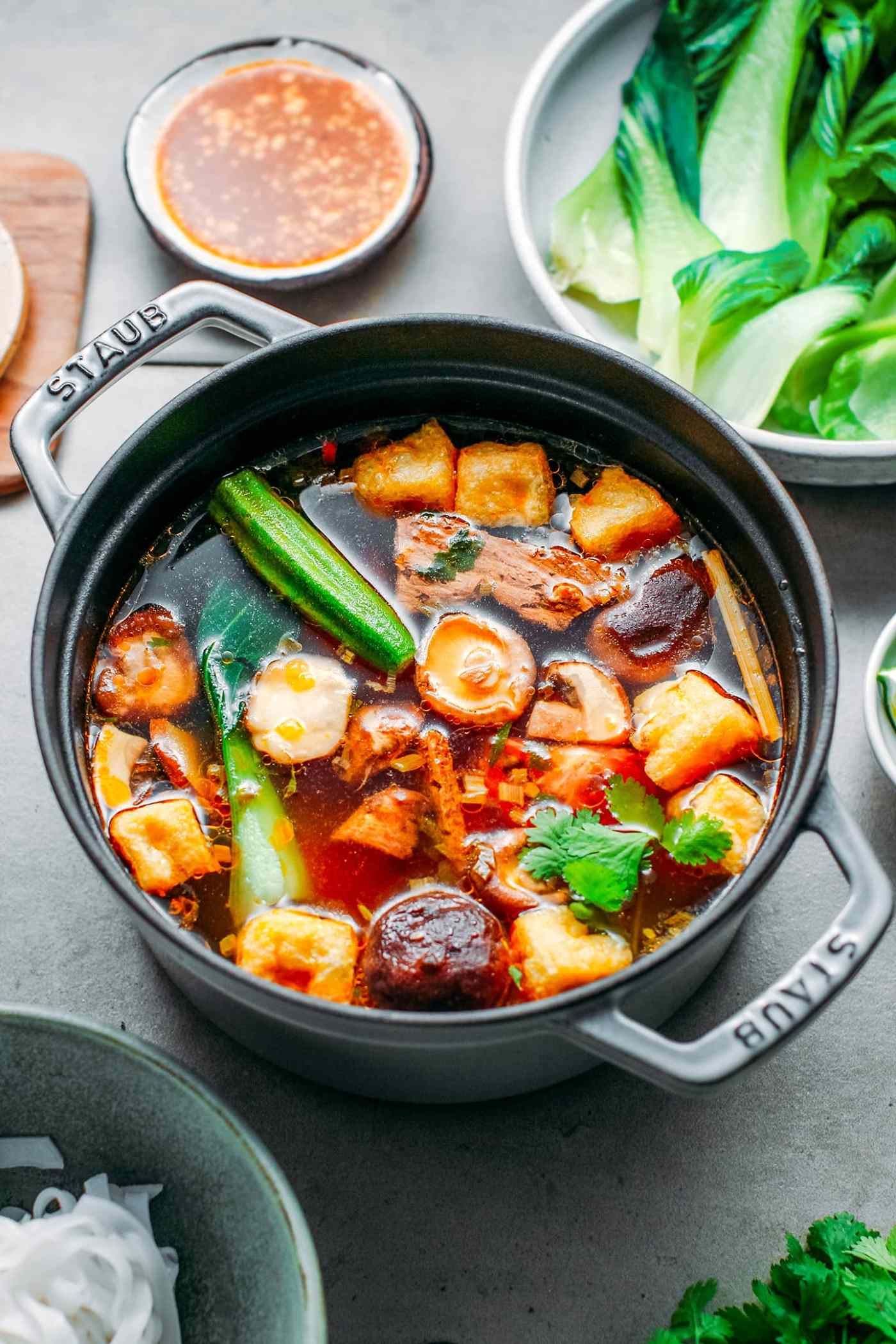 Spicy Vegan Hotpot (Spicy & Sour)