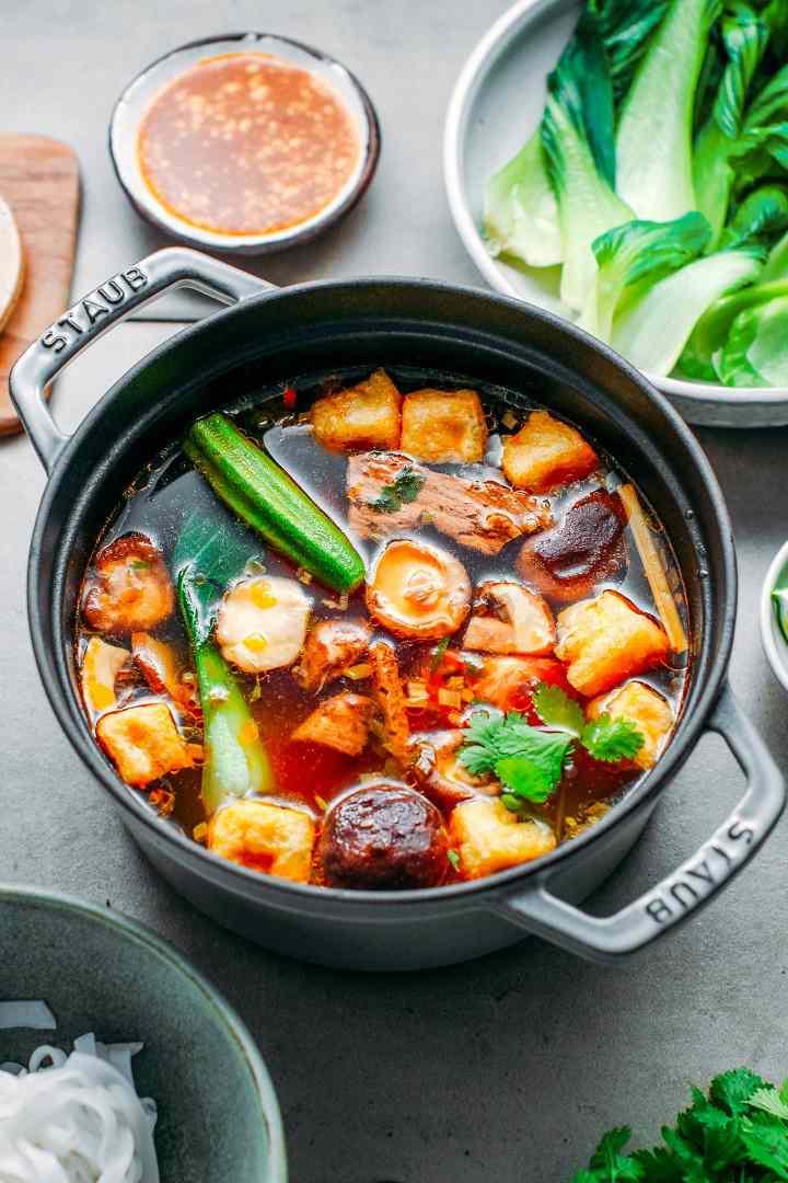 Spicy Vegan Hotpot (Spicy & Sour)