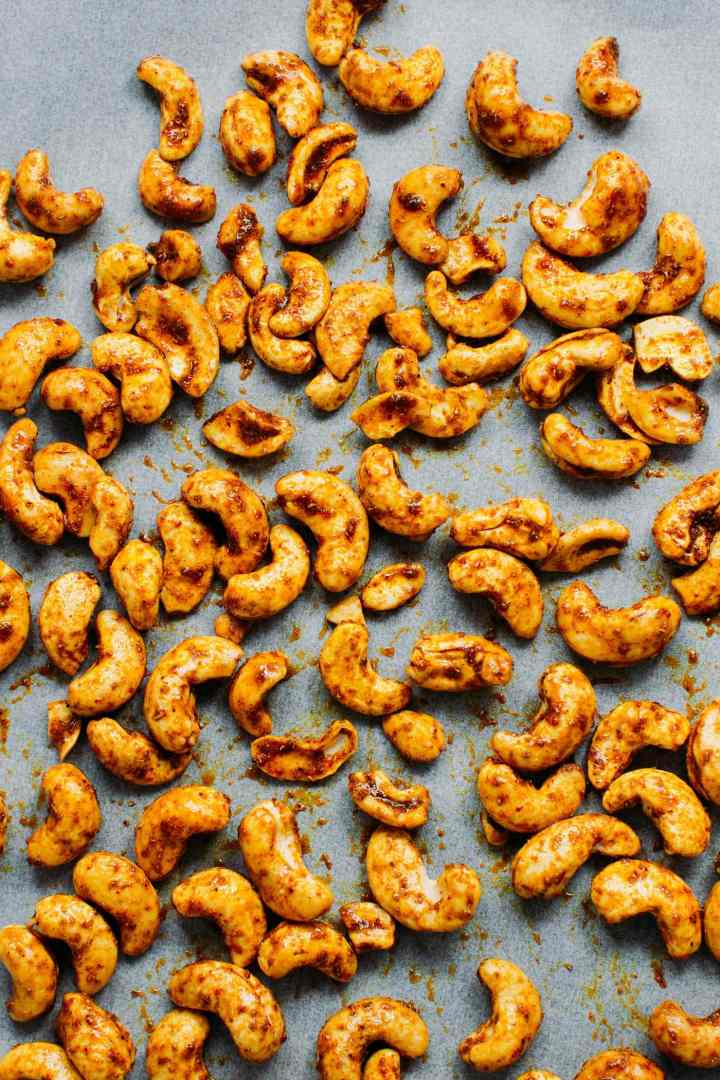 Easy Curried Roasted Cashews