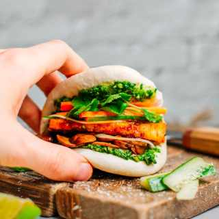Sate Tofu Bao with Kale Pesto