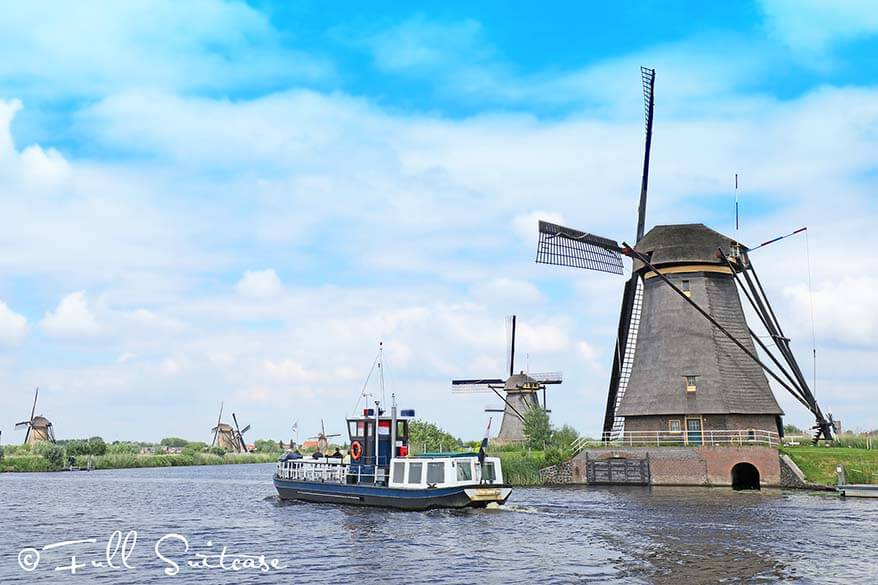 Kinderdijk windmills and Canal Cruiser boat