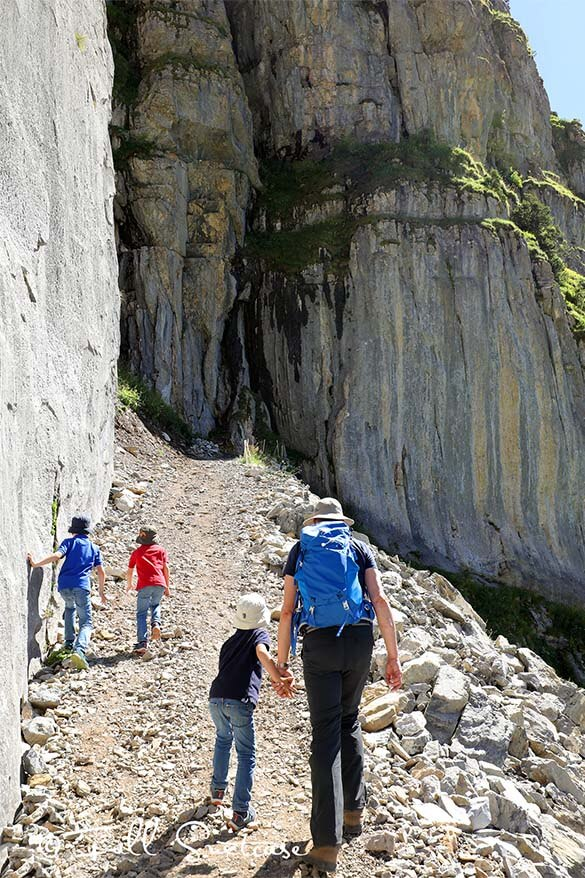 Climbing to Oberbergli with kids