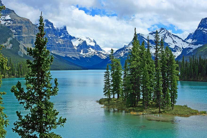 Spirit Island on Maligne Lake in Jasper NP Canada
