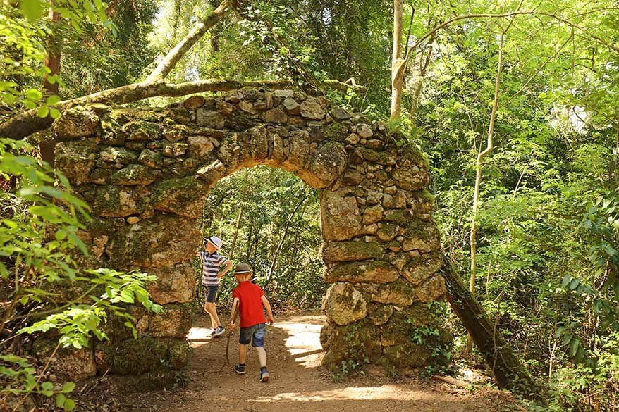 Exploring Bussaco forest in Portugal with kids