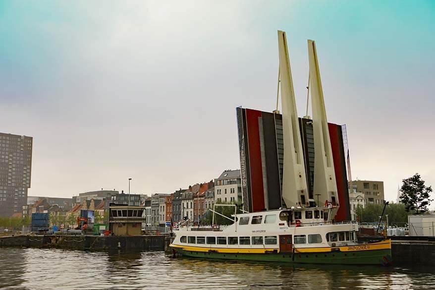 Jan Plezier boat tours of Antwerp harbour