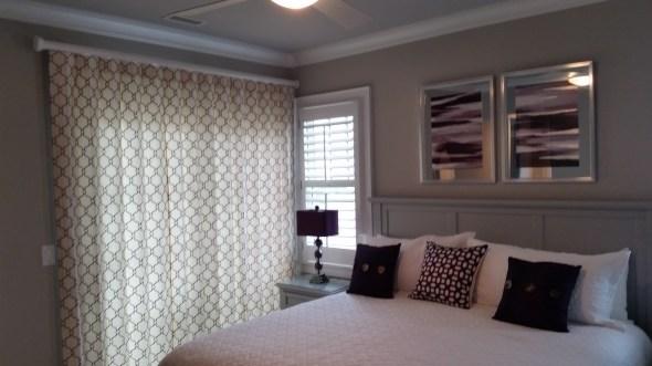 reverse-pleat-drapes-in-com-fabric