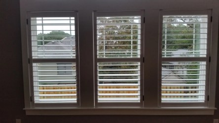 shutters-with-hidden-rear-tilt-bar-and-divider-rail