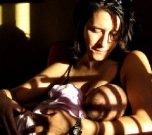 breastfeeding tips and hacks
