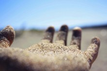 hands,cool,photography,hand,sand,summer-b3818c8ad4243f4340e8a809ee0d2d39_h
